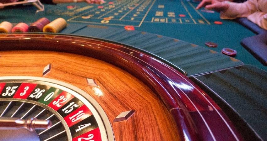 Diferencias casinos tradicionales y casinos online