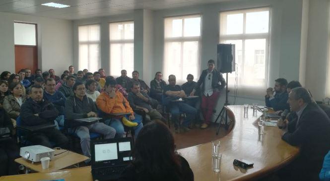 Cauquenes: Gobierno presenta alternativas de apoyo para ex trabajadores de  empresa EDELMA