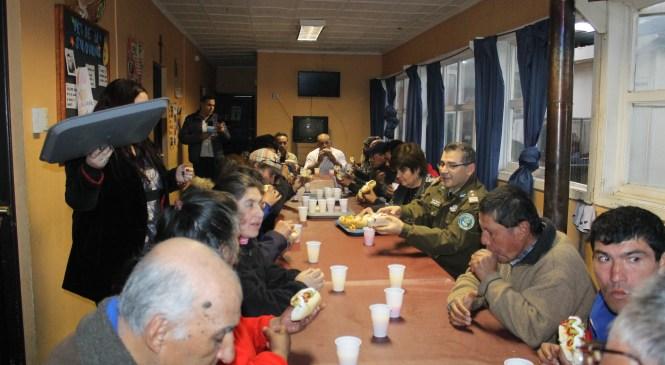 Gobernación de Linares compartió con personas en situación de calle del Hogar de Cristo