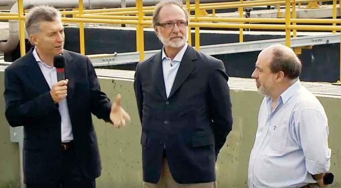 El presidente Mauricio Macri estuvo en Marcos Paz y prometió que los que no tienen cloacas, las tendrán