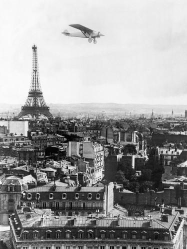 """A Torre e o 1o. avião que atravessou o Atlantico - """"Spirit of St. Louis""""."""