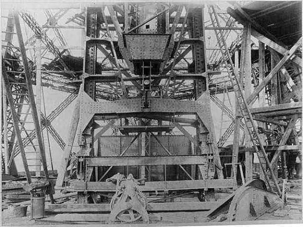 Torre Eiffel Construção - Estrutura metalica