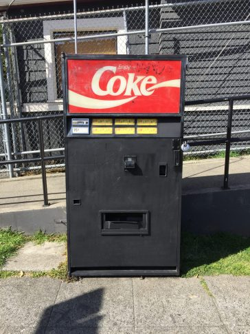 What soda flavors does this machine hold