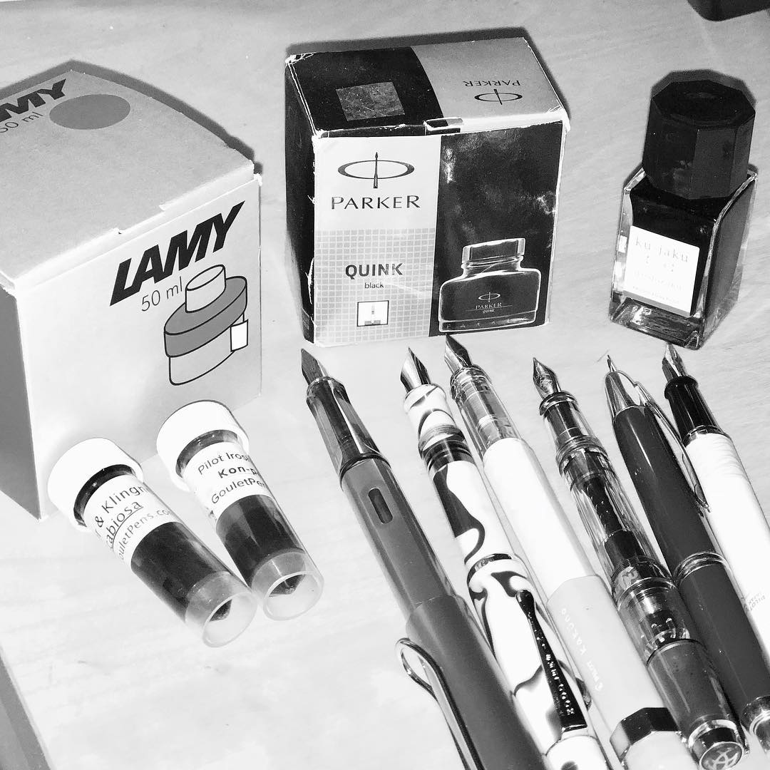 The 7 Days, Black & White, yadda yadda (day 5)  #lamyink #parkerink #pilotiroshizukuink #noodlersink #twsbi #pilotvanishingpoint #pilotmetropolitan #lamyalstar #pilotkakuno #gouletpencompany #noodlerskonradflex #hotp2017FPDGAW