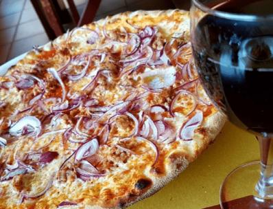 Pizza Pugliese de Macondo - Formentera
