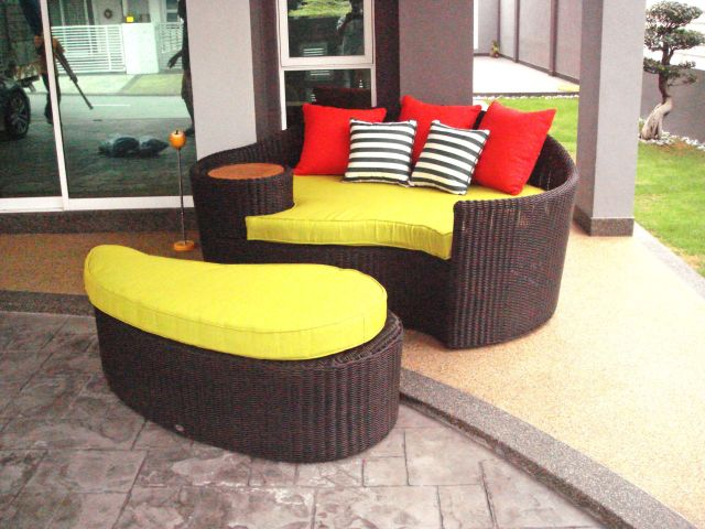 teak outdoor furniture - outdoor sofa - bali daybed