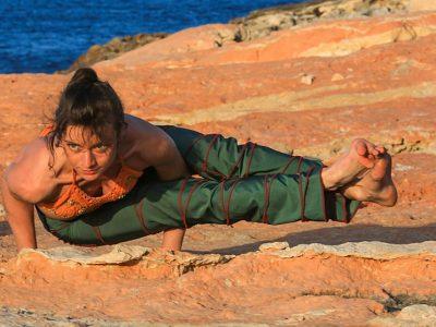 Sylvie Cieren Yoga Vinyasa Asanas