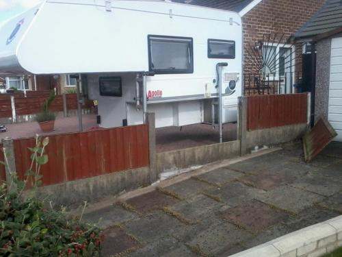 small resolution of  09 apollo 4 berth demountable camper for sale in uk 041 jpg