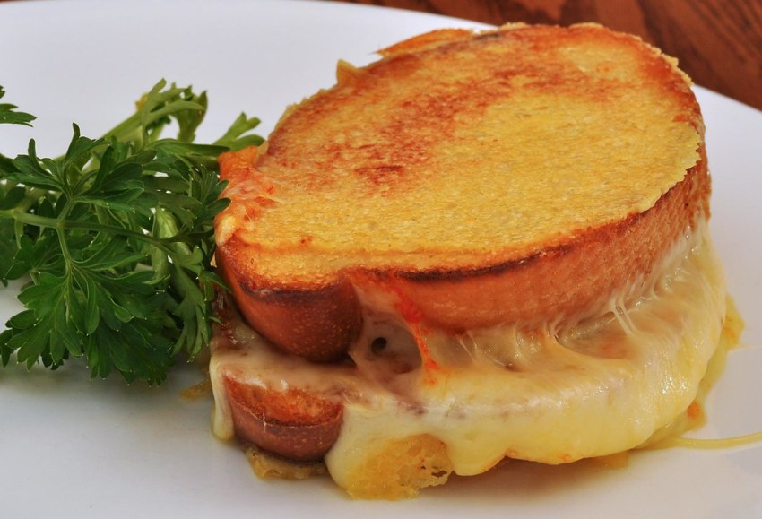 33 & Melt Grilled Cheese Windermere