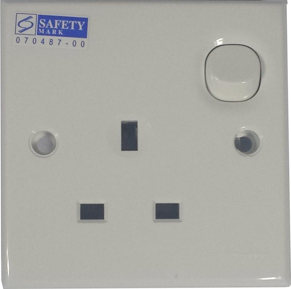 hight resolution of clipsal 1 gang switch socket 13a e15