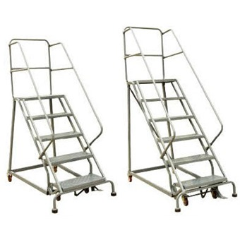 STOCKY PLATFORM LADDER WITH WHEEL (ROLLING LADDER