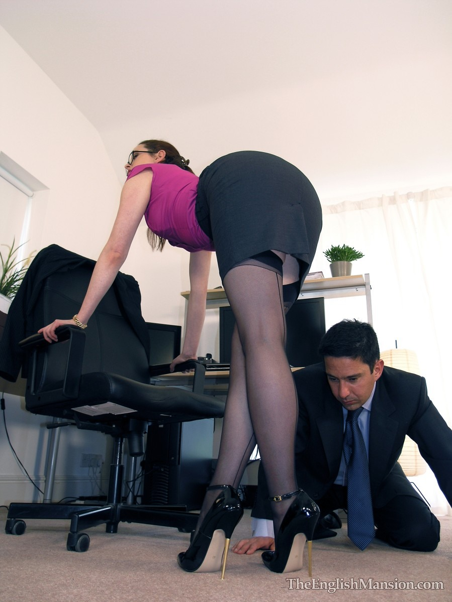 Lady Boss Shoe Worship  The English Mansion Preview Gallery