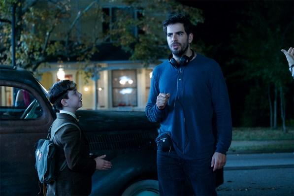 Le jeune acteur Owen Vaccaro en compagnie de Eli Roth