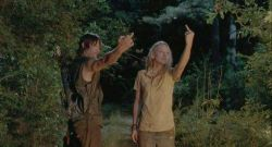 daryl-dixon-middle-finger