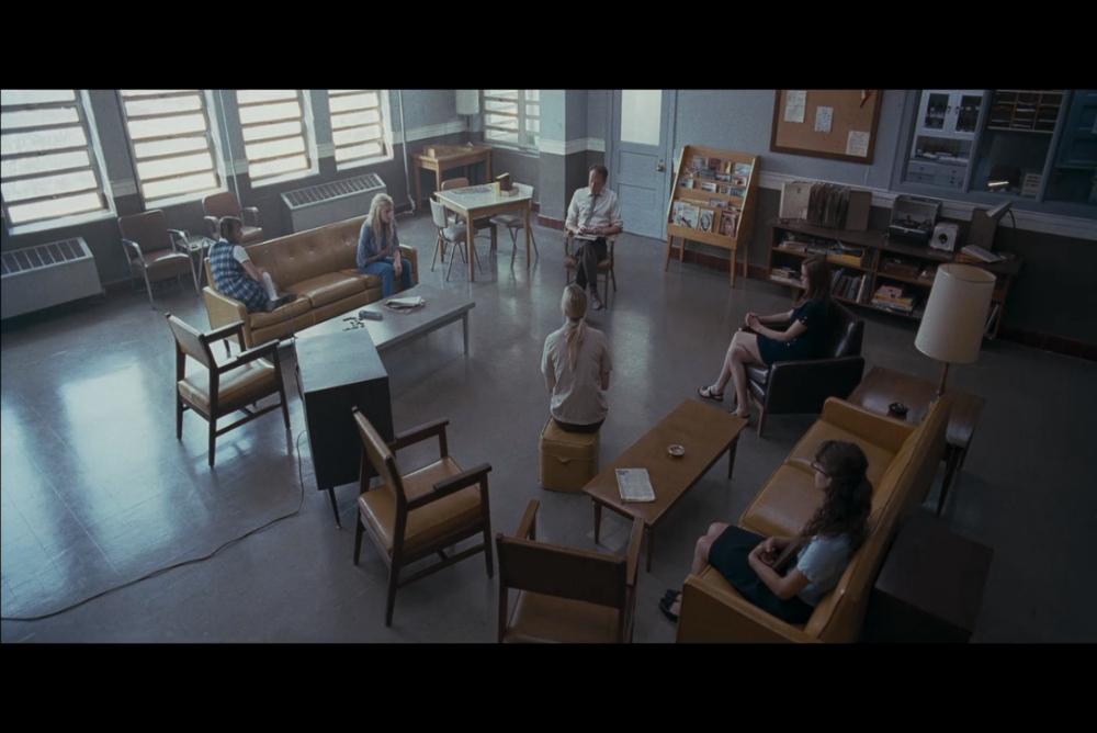 A scene reminiscent of Girl, Interrupted and One Flew over the Cuckoo's Nest