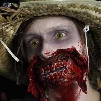Halloween-Costumes-In-German-034