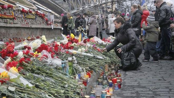 A Kiev si rende omaggio ai caduti per la libertà