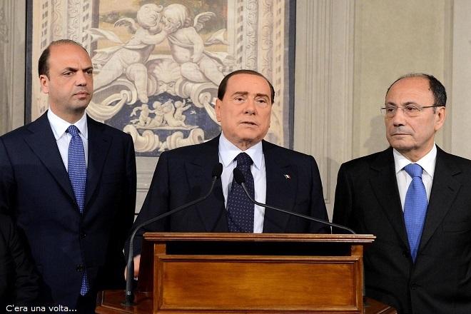 Silvio Berlusconi, Angelino Alfano (s)  e Renato Schifani in una foto del 23 aprile 2013. ANSA/ANTONIO DI GENNARO-Ufficio Stampa della Presidenza della Repubblica