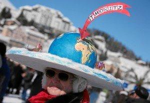 White Turf St. Moritz: Spezielle Hut Kreationen gehoeren zu jedem Pferderennen