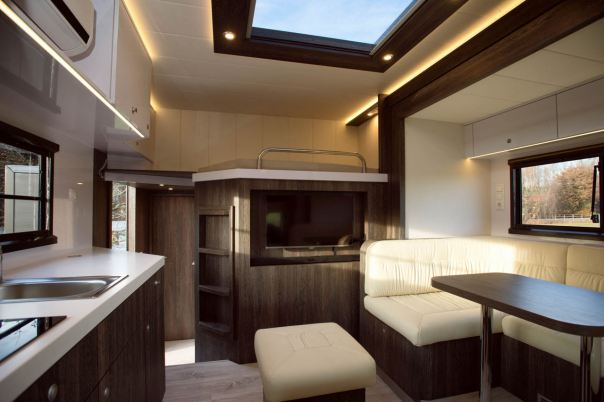 brown-actros-anikotowersphoto-screen-res-50