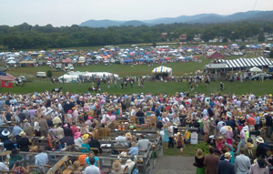 Crowds at the Iroquois Steeplechase in Tennessee.