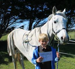 Robbie James with Glendaar Amira Fire, who won their 80km ride and best Conditioned.