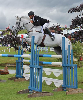 Andrew Nicholson and Avebury lead the CCI3* class at Barbury after the dressage and showjumping phases.