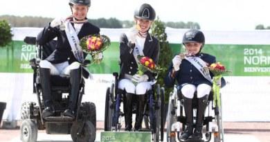 Grade II Freestyle medalists, from left, silver medalist Lauren Barwick (Canada, Off to Paris), gold medalist Rixt van der Horst (The Netherlands, Uniek), and bronze medalist Demi Vermeulen (The Netherlands, Vaness).