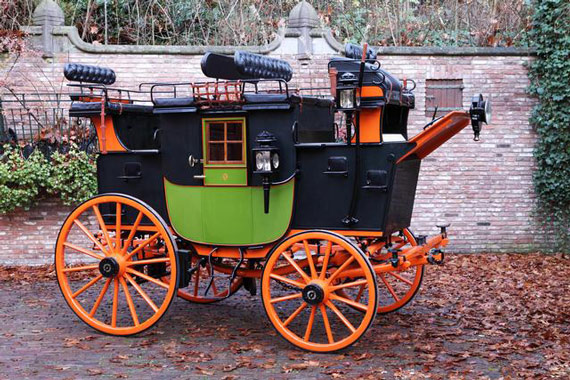 This Private European Road Coach was built around 1895 and carries a pre-auction estimate of up to £100,000. The coachwork was build by Guiet & Co. of Paris.