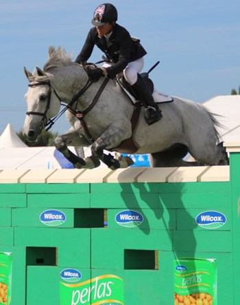 Olympic Cup runner-up Helen McNaught-McFarlane and Carnutelabryere.