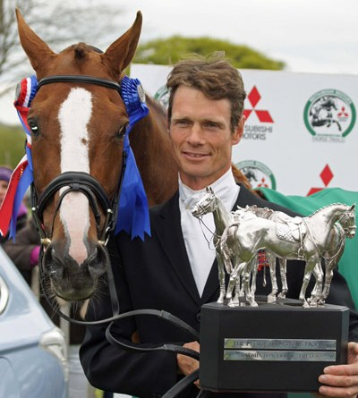 William Fox-Pitt gets hold of the Badminton Trophy for the first time since 2004.