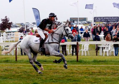 Andrew Nicholson and Avebury run to the finish line to win their fourth consecutive Barbury Horse Trials CIC3*.