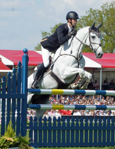 Clarke Johnstone (NZL) on Balmoral Sensation