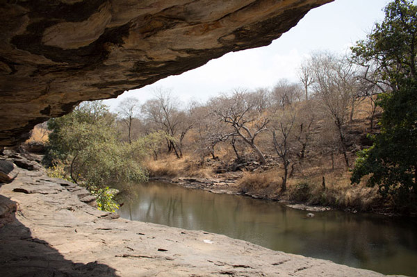 Paxton traveled to Chaturbhujnath Nala in spring 2016, at the end of the dry season. In the rainy season, the small creek that flows next to the ancient rock shelters can rise more than a dozen feet.