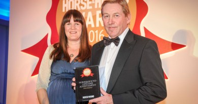 Nick Skelton receives his Lifetime Achievement Award from Horse & Hound content director Sarah Jenkins.