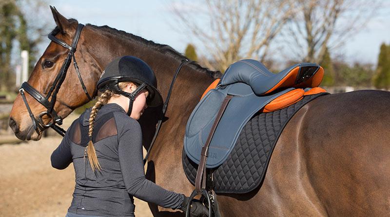 Irish saddle maker breaks with equestrian tradition - Horsetalk co nz