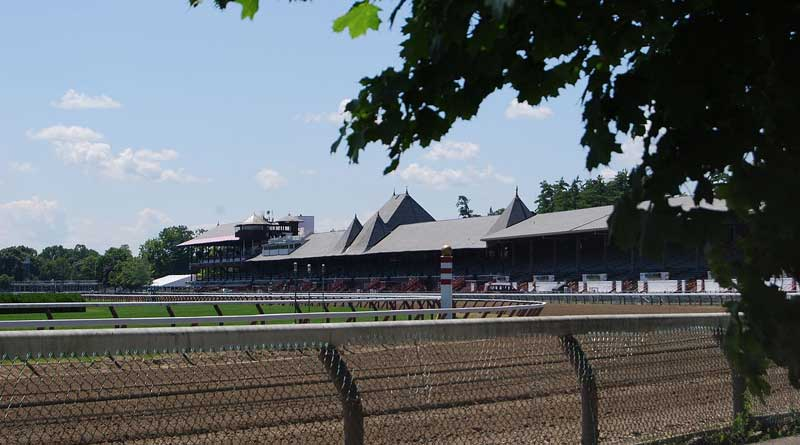 Saratoga Race Course viewed from Union Avenue. Photo: UpstateNYer CC BY-SA 3.0 via Wikimedia Commons
