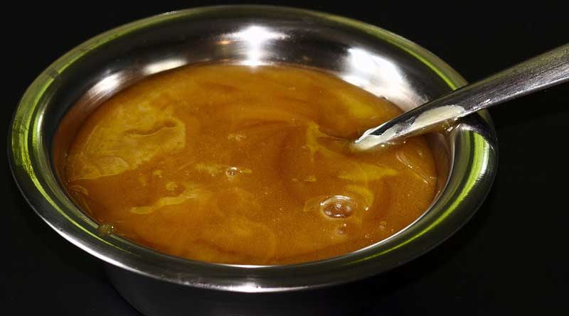 Manuka honey has been shown to improve wound healing. Photo: Sage Ross CC BY-SA 3.0 via Wikimedia Commons