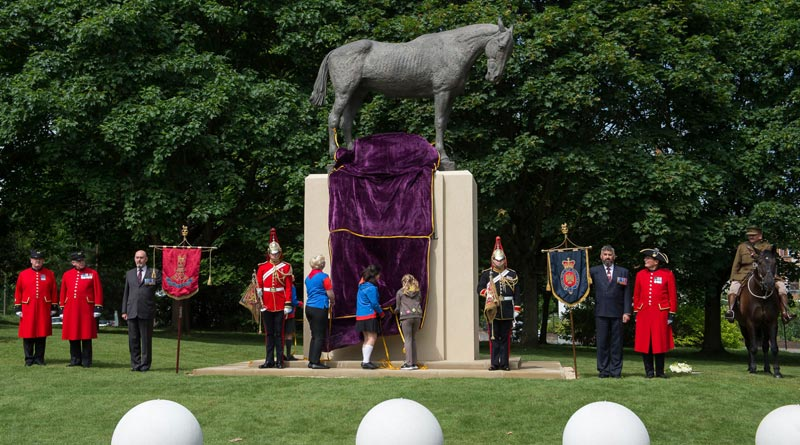 The War Horse Memorial has been unveiled in Ascot, England.