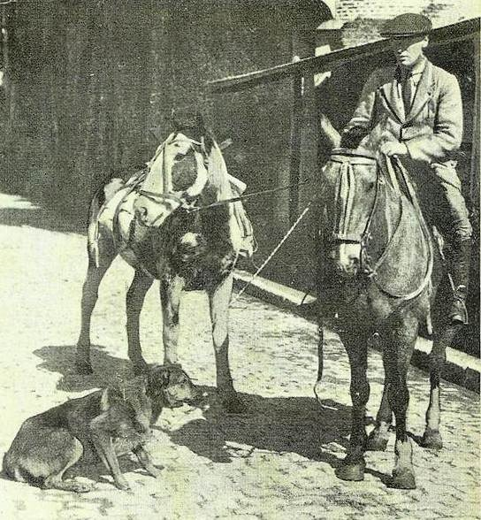 Aime Tschiffely preparing to set off from Buenos Aires in 1925.