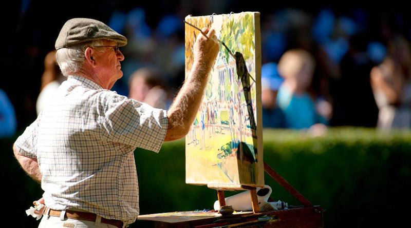 New Zealand equestrian artist Peter Williams has died in the US at the age of 84.
