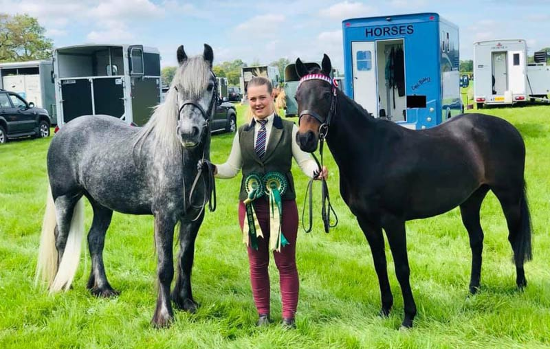 Sapphire Sloan with Roddlesworth Andrew, left, and Emwood Minimee, who both won awards for their ideal condition through The Horse Trust pilot scheme. They are pictured at STARS (Showing Teams and Rising Stars Champion of Champions) 2019.