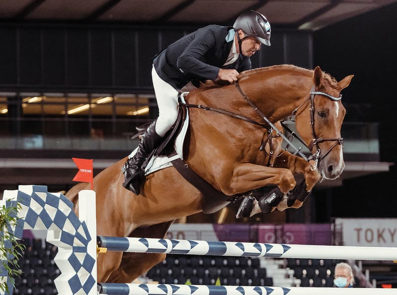 Argentina's Fabian Sejanes and Emir in the team jumping qualifier for the Tokyo 2020 Showjumping final.