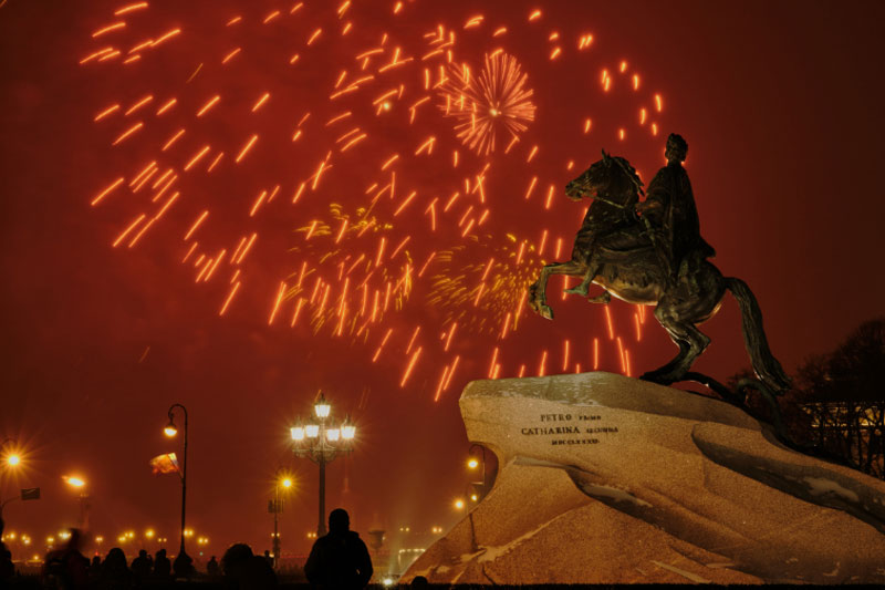 Sixteen horses who had experienced acute anxiety and fear associated with fireworks noise in the past took part in the study, which was carried out on New Year's Eve.