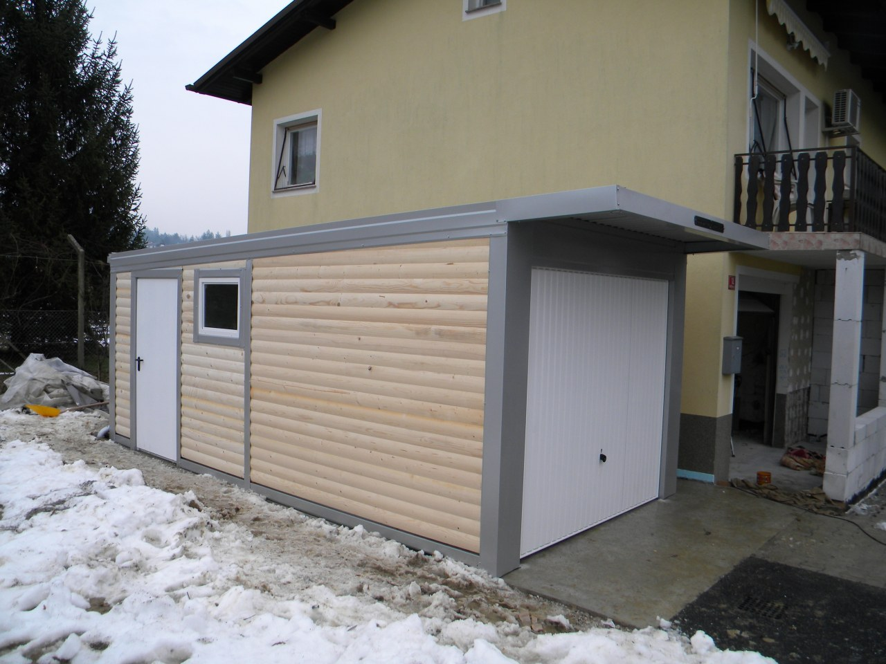 Garage Aus Holz. Elegant Rustikal Haus Mit Garagen Aus Holz Mit Raum