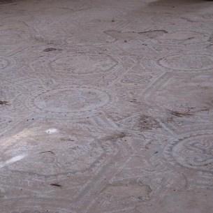 רצפת פסיפס בבזיליקה בשילה