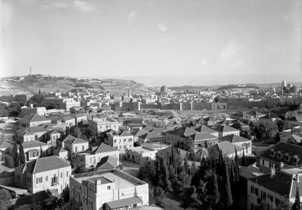 מוסררה בשנות ה-30 - ימי זוהרה כשכונה ערבית אמידה מחוץ לחומות העיר העתיקה צילום:American Colony (Jerusalem). Photo Dept., photographer