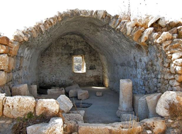 המבנה המאוחר (כנראה מן התקופה הערבית) יוצר:תמר הירדני