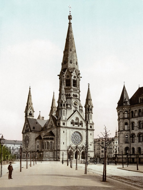 800px-Emperor_Wilhelm's_Memorial_Church_(Berlin,_Germany)