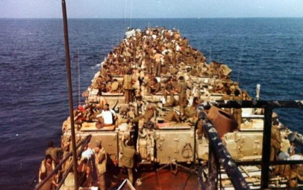 גדוד 202 על הנחתת בדרך ללבנון, 6 ביוני 1982 צילום:אידוב תורן